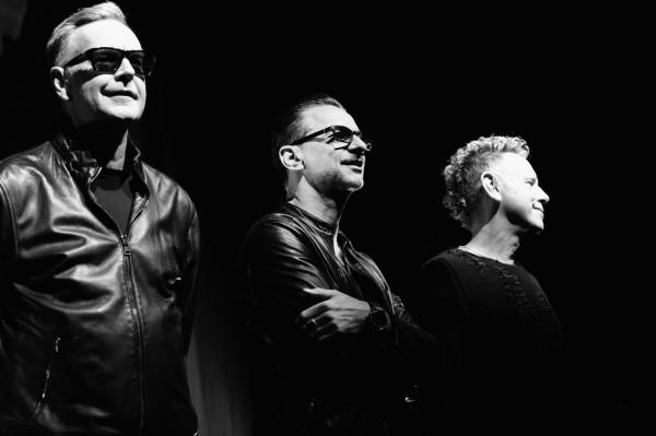 Смотрите новый клип Depeche Mode.