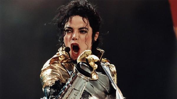 Две песни Майкла Джексона держались на вершине чартов семь недель.