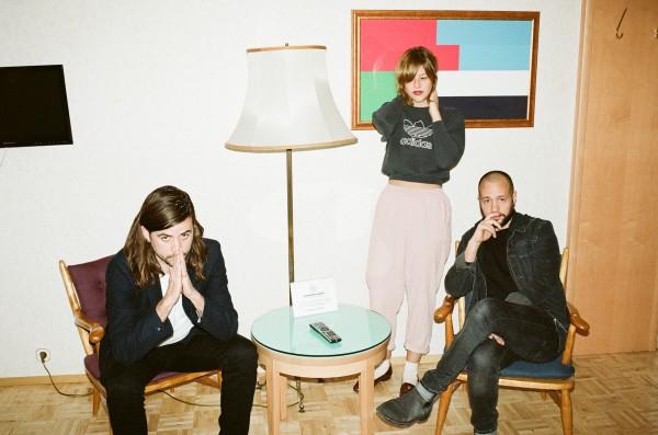 Пластинка Silk, включающая в себя семь треков, вышла 24 марта этого года.