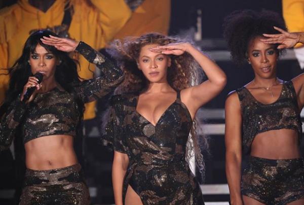Бейонсе выступила с экс-участницами Destiny's Child
