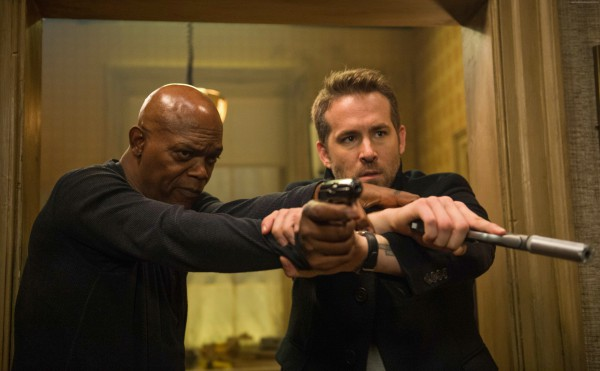 Райан Рейнольдс и Сэмюэл Л. Джексон в комедийном экшне Телохранитель киллера.