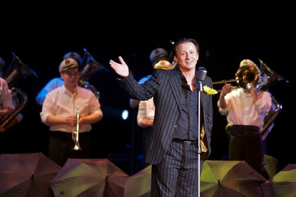 Олег Меньшиков будет петь и танцевать в музыкальном спектакле Оркестр мечты. Медь. Фото предоставлено PR-компанией Дель Арте
