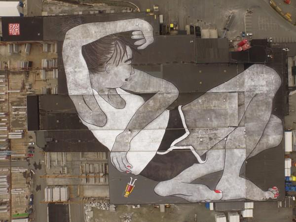 Мурал Лилит и Олаф в Норвегии - самая большая уличная картина в мире