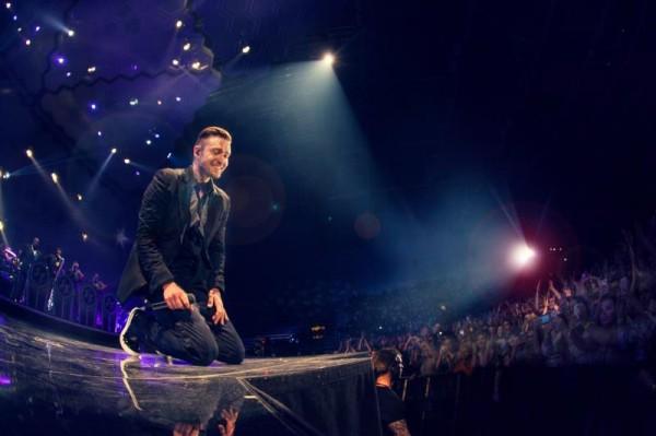 Джастин Тимберлейк во время мирового тура в поддержку альбома The 20/20 Experience