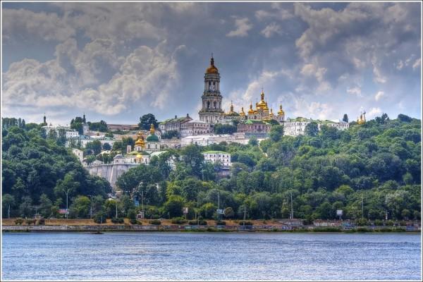 Киево-Печерская лавра была основана в 1051 г.