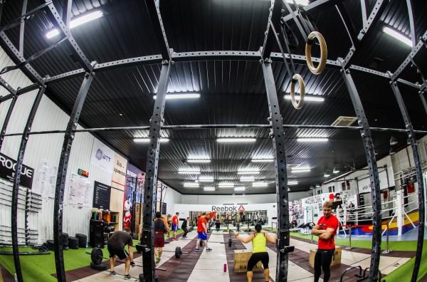 Тренировки по кроссфиту набирают все больше популярности