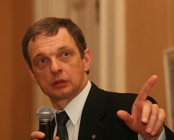 Михаил Гнедовский - кандидат исторических наук, директор Института культурной политики, член правления Европейского музейного форума, эксперт Совета Европы и Еврокомиссии.