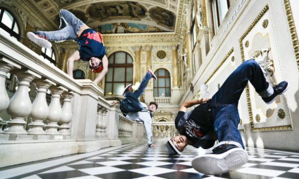 Red Bull Flying Bach в сентябре заедет в Киев