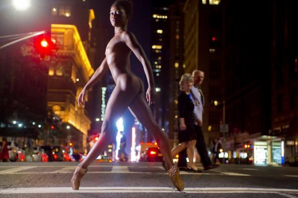 В Киеве пройдет фотовыставка Джордана Меттера - Танцоры ночью.