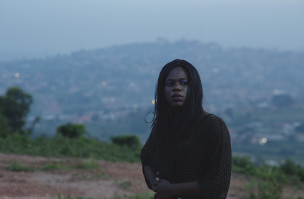 Жемчужина Африки  рассказывает историю девушки-трансгендера