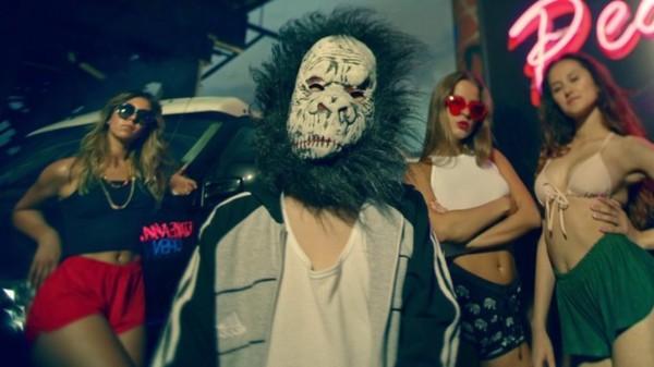 Песня Папяроска вошла в третий студийный альбом Brutto - Рокі.