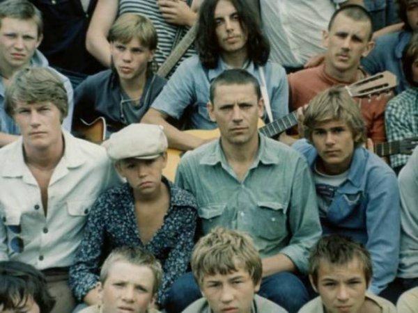 Да сейчас не пацаны, а бабы какие-то ...: best.9vds.ru/na-avu-patsanam.html