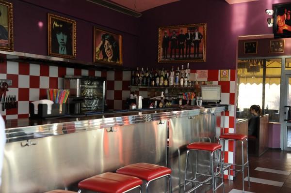 После 12 лет работы рок-н-ролл кафе Шалена мама закрывается.