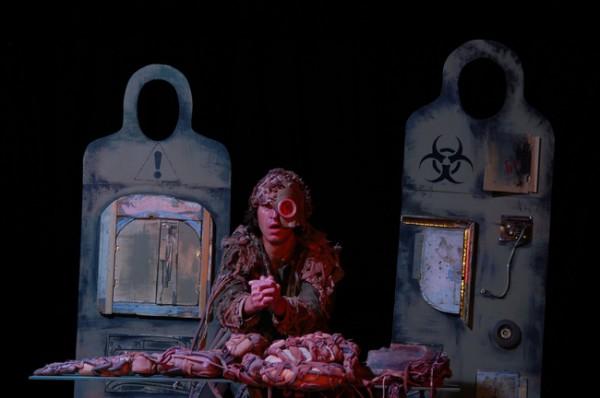 В Киеве покажут скандальный спектакль Гамлет-машина
