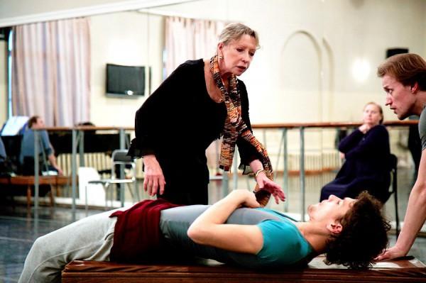 На репетиции балета Баядерка под руководством Натальи Макаровой