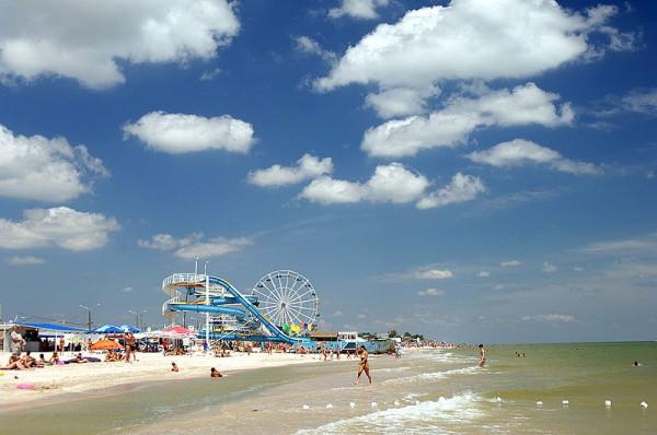 Пляж в Кирилловке, на Федотовой косе