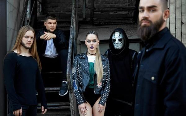 Группа The Hardkiss выпустила новый клип.