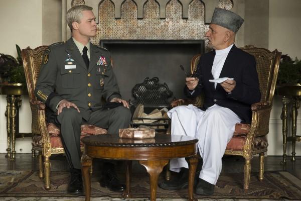 Брэд Питт сыграл генерала в новом фильме Машина войны.