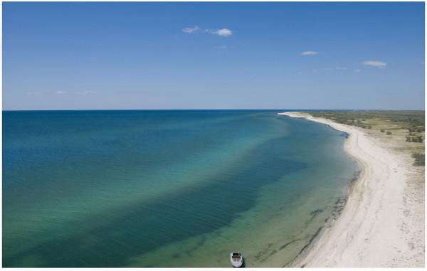 Остров Джарылгач считается одним из самых больших в Украине