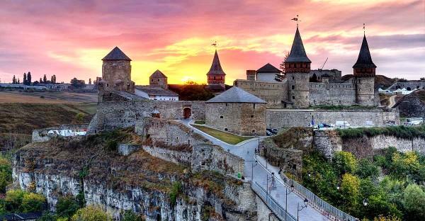 Акция Сделай подарок Украине может помочь отреставрировать архитектурные памятники всего лишь за $1