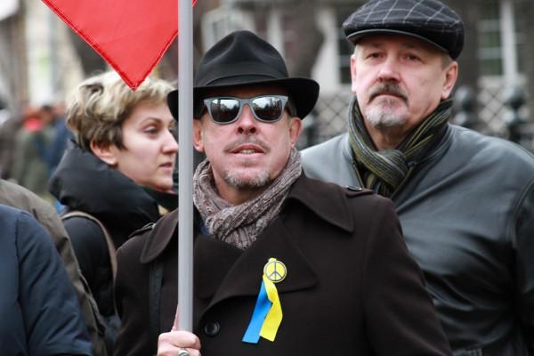 Андрей Макаревич на Марше мира в Москве
