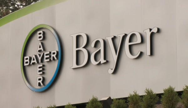 В составе IG Farben компания Bayer приложила руку к производству Циклона Б – химического соединения, которое использовалось в газовых камерах лагерей смерти.