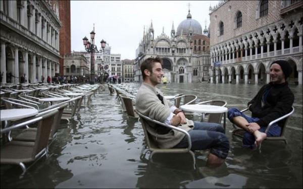 Источник фото: http://trinixy.ru/78961-navodnenie-v-venecii-29-foto.html