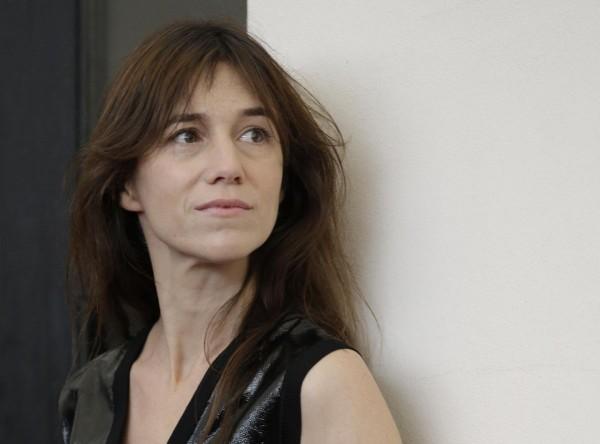Шарлотта Генсбур сама стала режиссером новой видеоработы.