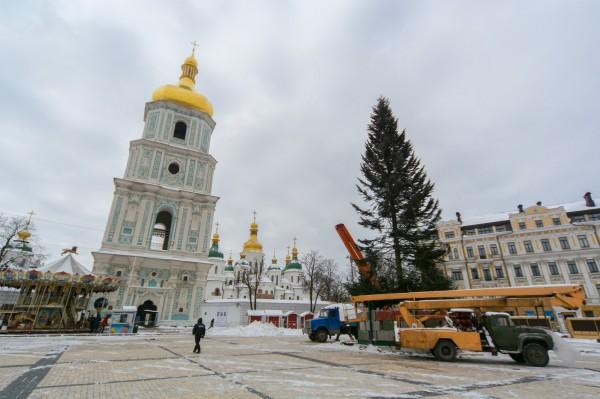 Главную елку зажгут на Софийской площади 19 декабря