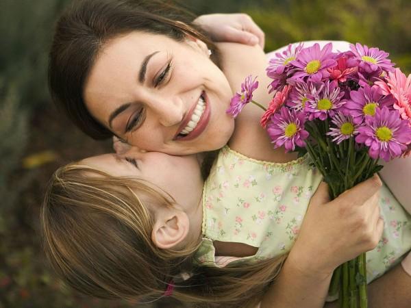 В 2016 году День матери в Украине будут отмечать 8 мая