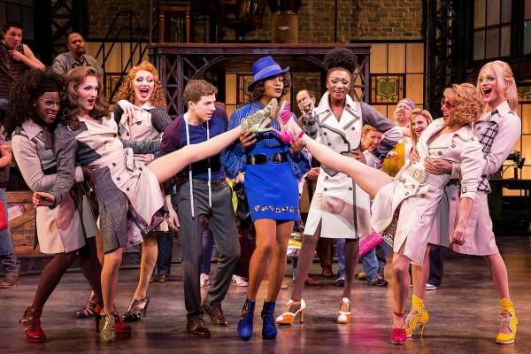 Главная театральная премия США Тони досталась мюзиклу Чумовые боты (Kinky Boots)