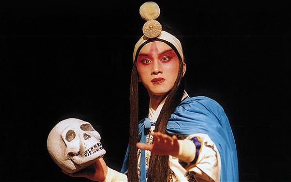 Гамлет в постановке китайского театра.