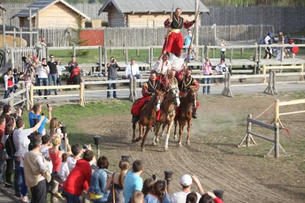 Пасха 2013 в Парке Киевская Русь будет с народными гуляниями и катанием на лошадях