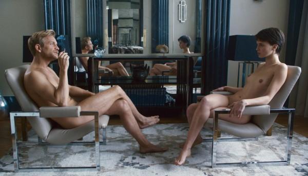 Франсуа Озон снял эротический триллер Двуличный любовник.