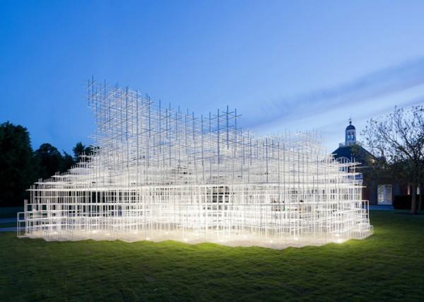 Необычный павильон в виде облака от Су Фудзимото появился в парке Лондона