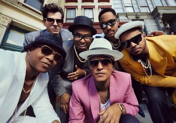 Под песню Uptown Funk Марка Ронсона и Бруно Марса танцевала даже Мишель Обама в The Ellen DeGeneres Show