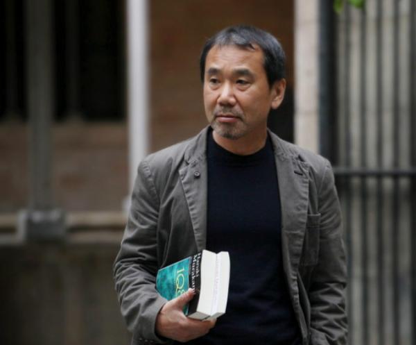 Харуки Мураками отмечает 69-летие