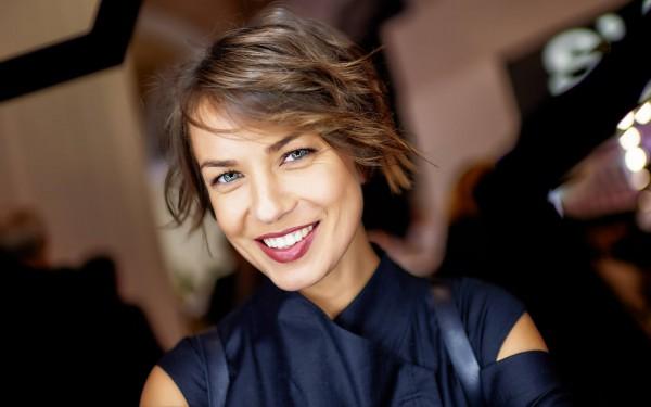 Анастасия Топольская имеет по 200 выступлений в год в разных странах мира.
