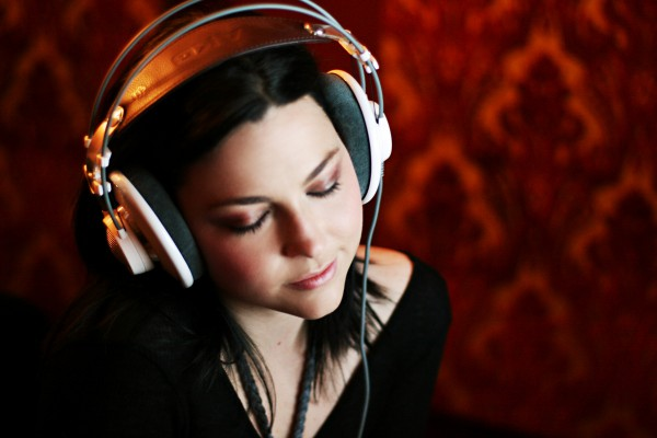 Эми Ли записывает каверы на любимые песни