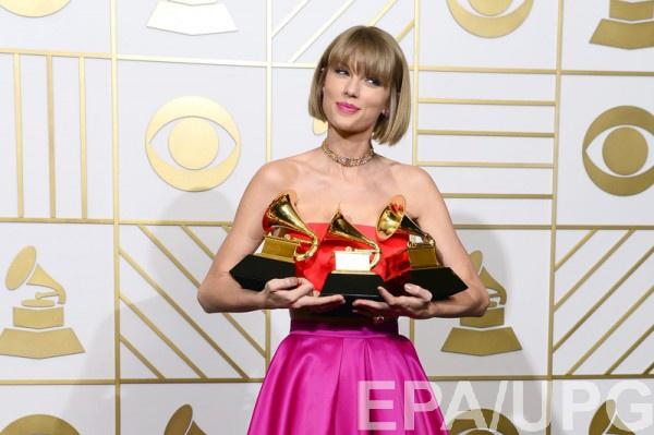 Тейлор Свифт поделилась любимыми песнями