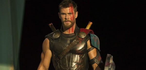 Крис Хемсворт исполняет роль Тора