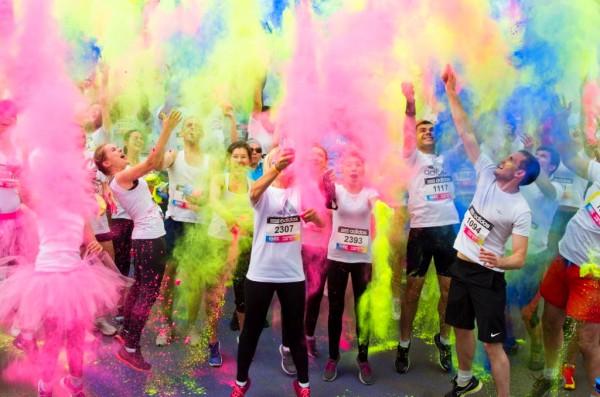 Цветной пробег Color Run пройдет 5 июня на Контрактовой площади