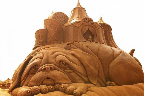 Cкульптура из песка в Австралии