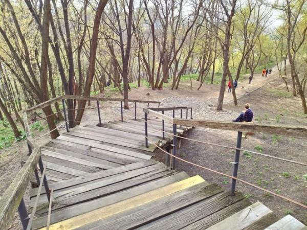 Старая лестница на Старокиевской горе