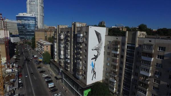 Новый мурал на улице Мечникова