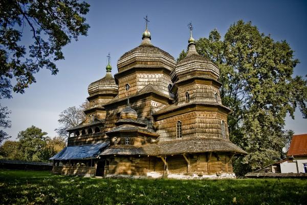 Деревянный Храм святого Юра в Дрогобыче был возведен в 1656 г. и полностью сохранился до наших дней.