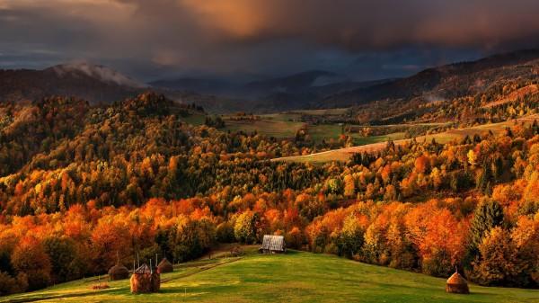 Куда поехать осенью по Украине.