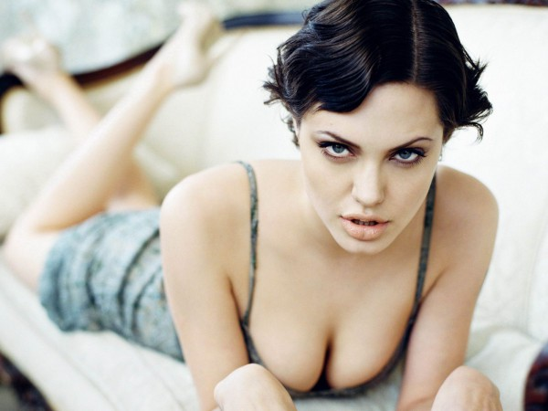 Анжелина Джоли
