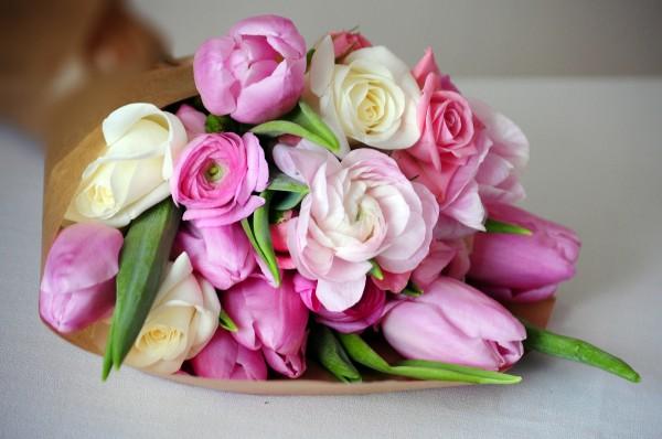 Лучший подарок для любой женщины - букет цветов