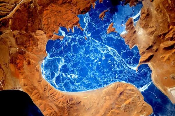 Озеро в Гималаях